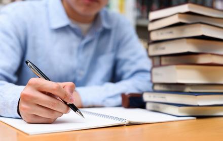 登録販売者試験は独学でもOK?難易度・勉強時間は?効率的な勉強方法と ...